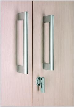 Tiradores de puertas de armarios de melamina.
